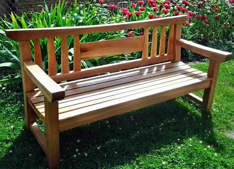 Преимущества изготовления скамейки из дерева